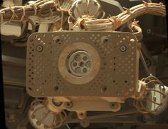 Look at what two years on Mars did to the Curiosity Rover   The Verge