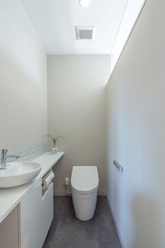 REF | 注文住宅なら建築設計事務所 フリーダムアーキテクツデザイン Japanese Bathroom, New Toilet, Natural Interior, Architecture, House, 2nd Floor, Design, Home Decor, Rooms