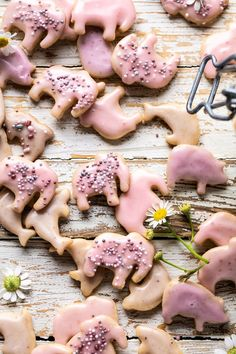Homemade animal crackers baked with sweet honey, vanilla, hints of cinnamon, then dipped in a berry-colored glaze for a natural finish. Back to being a kid! Cookie Recipes, Snack Recipes, Dessert Recipes, Desserts, Icing Recipes, Carrot Recipes, Turkey Recipes, Pizza Recipes, Casserole Recipes