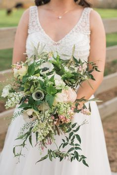 Cathy Nugent Weddings made magic happen at this gorgeous farm venue at The Wright Farm and with lush florals by Southern Stems ? Classic Wedding Flowers, Boho Wedding Flowers, Floral Wedding, Wedding Colors, Wedding Bouquets, Wedding Styles, Atlanta Wedding, Here Comes The Bride, Southern Style