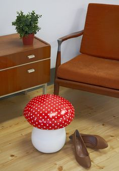 Mushroom stool!! I'm obsessed. I'm going to figure out haw to make this then pin that tutorial. Promise.