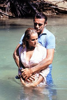 Sean Connery & Ursula Andress in Dr. No, 1962.    ♥ ♥ ♥    http://movieclassics3326.blogspot.com/2010/10/ursula-andress.html