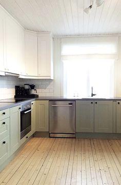 Grønt kjøkken, landlig interiør,  kjøkkendekorasjon, green kitchen, kitchen decoration Kitchens, Kitchen Cabinets, Country, House, Home Decor, Decoration Home, Rural Area, Home, Room Decor