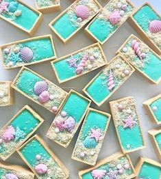 737 vind-ik-leuks, 13 reacties - The Little Big Company (@littlebigcompany) op Instagram: 'Mermaid custard tarts by @dessertinc_'