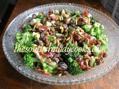 BROCCOLI, RAISIN SALAD 2 cups fresh broccoli 1/2 cup green onion, chopped 3/4 cup seedless raisins 4 slices bacon, cooked and crumbled 1/3 cup shelled sunflower seeds 6 tablespoons mayonnaise 2 tablespoons cider vinegar 2 tablespoons sugar 1/4  teaspoon pepper 1/2 teaspoon salt