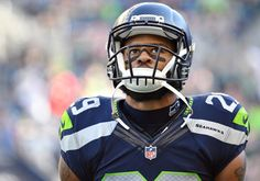 Seahawks' Earl Thomas suffers gruesome leg injury = Seattle Seahawks safety Earl Thomas is left Sunday night's game against the Carolina Panthers after suffering a gruesome leg injury after colliding with fellow safety Kam Chancellor on a play in the secondary.....