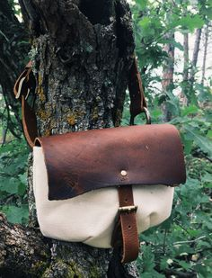 Handmade Leather & Canvas fanny pack. Antique Brass hardware, Kodiak Oil Tan leather, Natural-white canvas. Brass Hardware, Handmade Leather, Leather Working, Tan Leather, Fanny Pack, Antique Brass, Saddle Bags, Oil, Photo And Video