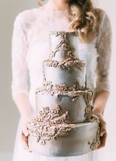 Metallic hazelnut buttercream icing and florals, vanilla cake. Enjoy RushWorld boards,  WEDDING CAKES WE DO, FANCY DESSERT RECIPES and UNPREDICTABLE WOMEN HAUTE COUTURE.  See you at RushWorld on Pinterest! New content daily, always something you'll love!
