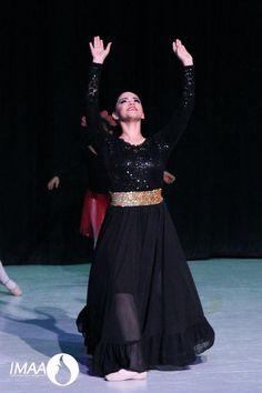 D Worship Dance, Praise Dance, Praise And Worship, Dance Outfits, Dance Dresses, Garment Of Praise, Dance Uniforms, Dance Academy, Dance Costumes