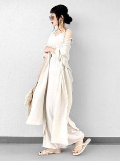 ファッションファッション - - in 2020 Aesthetic Fashion, Look Fashion, Aesthetic Clothes, Korean Fashion, Fashion Beauty, Girl Fashion, Fashion Outfits, Womens Fashion, Modern Outfits