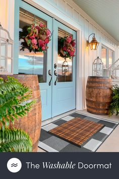 Front Door Colors, Front Door Decor, House Front Porch, Exterior House Colors, Porch Decorating, House Painting, Future House, Home Projects, Home Remodeling