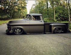 Photos) - A truck is a beautiful thing. It is simple and useful – like our dads and granddads were. Trucks are tough, sturdy and reliable. Sure, they get poor. Hot Rod Trucks, Gm Trucks, Cool Trucks, Pickup Trucks, Cool Cars, Best Pickup Truck, Pickup Camper, Chevy Diesel Trucks, Classic Chevy Trucks