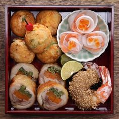 Shrimps in sesame breading, rolls of chicken with carrots and beans in Japanese, roses from salmon, pickled daikon and caviar, egg omelettes with vegetables and slave meat Tasty Videos, Food Videos, Good Food, Yummy Food, Asian Cooking, Food Cravings, Japanese Food, Food Dishes, Asian Recipes