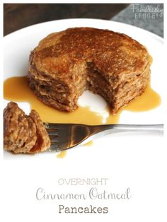 I love this overnight cinnamon oatmeal pancakes recipe! Makes for a quick and easy breakfast that's healthy and tastes great too! Healthy Dinner Recipes, Breakfast Recipes, Cooking Recipes, Pancake Recipes, Breakfast Dishes, Breakfast Time, Vegetarian Recipes, Oatmeal Pancakes, Waffles