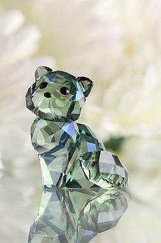 Swarovski Crystal Lovlots Andy the Cat. Diy Crystals, Swarovski Crystals, Crazy Cat Lady, Crazy Cats, Swarovski Crystal Figurines, Glass Art, Cut Glass, Glass Figurines, Crystal Decor
