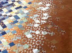 PIKZEL #3 Motif Zellige by MYRIAM MOURABIT© #Pikzel #Pixel #Zellige #Detail #Tiles #Silver #Blue #Stars #Handmade #Design #Lifestyle #Madeinmorocco #AitManos #Terre #Carreaux #Enamale #Motif #Reflexion