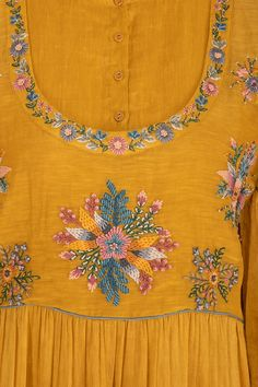 Online Luxury Fashion Store for Women and Men: Buy Men's and Women's Apparel, Designer Clothing, Designer Jewellery, Fashion Accessories at Pernia's Pop-Up Shop Embroidery On Kurtis, Hand Embroidery Dress, Kurti Embroidery Design, Floral Embroidery Patterns, Embroidery Works, Flower Embroidery Designs, Embroidery Fashion, Beaded Embroidery, Machine Embroidery