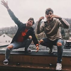 Let's hang out !  We're on tour and we wanna meet you!   @taylorcaniff Just added 10 more dates ⬇️COMMENT YOUR CITY ⬇️