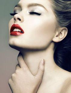 RED LIP  http://www.rc-cosmetics.com/