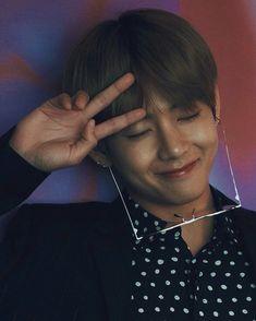 Literally so cute like u need to stop playing with my feelings BOI! Jimin Jungkook, V Taehyung, Bts Bangtan Boy, Seokjin, Namjoon, Hoseok, Daegu, Yoonmin, Taekook
