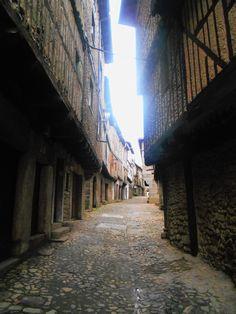 Calle de La Loa. La Loa es un auto sacramental que se representa en La Alberca. Es de los mas antiguos de España. Se remonta a la Edad Media.