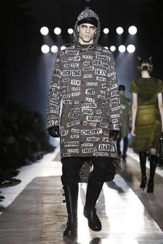 Male Fashion Trends: Moschino Fall-Winter 2018-19 | Milan Fashion Week