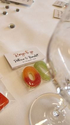 Wedding favor rings- Gastgeschenk Ringe Rings to go Gummy Bears Apple Rings Peach Rings Gift Guests Wedding Wedding - Wedding On A Budget, Diy Wedding, Wedding Favors, Dream Wedding, Party Favors, Wedding Gifts, Handmade Wedding, Shower Favors, Party Gifts