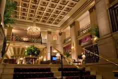 Living large in Don Draper's New York: The Roosevelt Hotel in Midtown Manhattan Nyc Hotels, New York Hotels, Luxury Hotels, Purple Carpet, Holiday Hotel, I Love Ny, Hotel Reservations, Ceiling Decor, Hotel Lobby