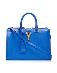 Borsa a mano realizzata in pelle blu con chiusura logo Y in metallo dorato. Made in Italy.