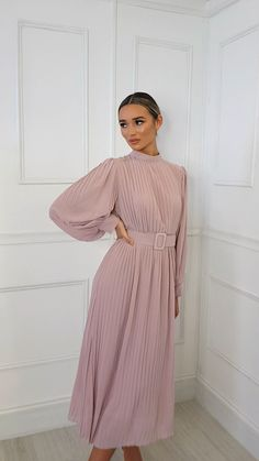 Ainslie Pleated Belted Maxi Dress at ikrush Casual Dress Outfits, Stylish Dresses, Modest Dresses, Modest Outfits, Simple Dresses, Classy Outfits, Elegant Dresses, Pretty Dresses, Beautiful Dresses