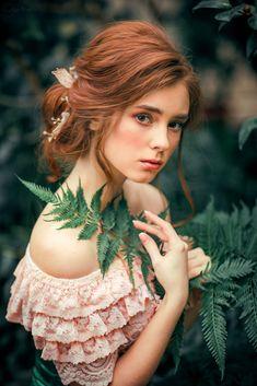 Alexandra Girskaya by Olga Boyko ~ Fantasy Photography, Girl Photography Poses, Photo Portrait, Poses References, Foto Art, Beautiful Redhead, Portrait Inspiration, Girl Face, Aesthetic Girl