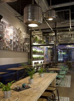 Proyecto de interiorismo de café calle montera, Cuca Garcia | Muebles vintage, mobiliario retro e industrial