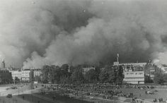 Bombardement op Rotterdam (1940) -- Al op 10 mei, de eerste dag van de Tweede Wereldoorlog in Nederland, landden er Duitse parachutisten in Rotterdam-Zuid. Al bij deze actie werden bommen op de stad geworpen.