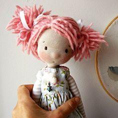 :: Crafty :: Cloth Doll :: 2 :: Algodão doce #fabricdoll #handmadedoll #ooak