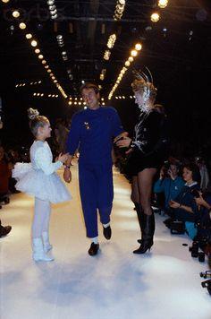 1986-87 - Thierry Mugller show - Thierry Mugler & models