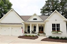 White Ranch House With Brown Roof White Farmhouse Style Exterior Paint Color Interior Decoration Ideas Indian Style Exterior Paint Colors For House, Paint Colors For Home, Exterior Colors, Paint Colours, Modern Farmhouse Exterior, Farmhouse Style, Vintage Farmhouse, Farmhouse Trim, Ranch Exterior