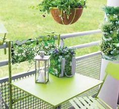 Lit pliable on pinterest table de lit lit 1 personne and ch ne - Table pour petit balcon ...