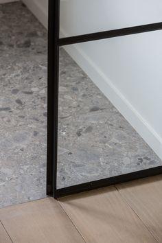 Metal Wall Art Home Decoration Referral: 6134010678 Floor Design, Tile Design, House Design, Architecture Details, Interior Architecture, Tiled Hallway, Terrazo, Living Room Flooring, Concrete Floors