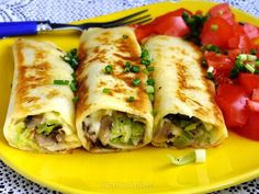 naleśniki z pieczarkami, żółtym serem i porem Vegetarian Recipes, Cooking Recipes, Good Food, Yummy Food, Crepe Cake, Party Food And Drinks, Mediterranean Diet Recipes, Polish Recipes, Healthy Eating
