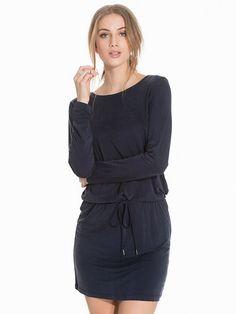 Shoppa Arvo Dress - Online Hos Nelly.com