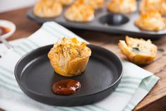 Sausage and Egg Fillo Pies Appetizer Recipes, Snack Recipes, Appetizers, Snacks, Gourmet Cooking, Cooking Recipes, Sausage And Egg, No Bake Desserts, Finger Foods