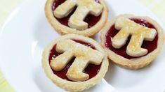 How to Make Mini Raspberry Pi Pies in Celebration of Pi Day