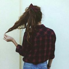 She has my same hair texture and I love how the messiness looks with an oversized scrunchie! Look Fashion, Teen Fashion, Fashion Beauty, Autumn Fashion, Fashion Outfits, Moda Outfits, Cute Outfits, Mein Style, Short En Jean