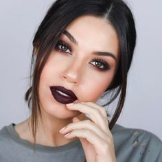 """252 curtidas, 8 comentários - Eman (@eman) no Instagram: """"3 exciting things to tell you guys!! First, this look is now up on my channel! Link in bio.…"""""""