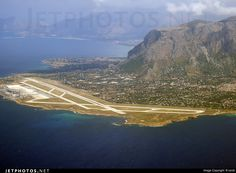 Palermo Punta Raisa Airport Italy Airport Control Tower, Vintage Air, Photo Online, International Airport, World History, Atc, Airplane, Planes, Fields