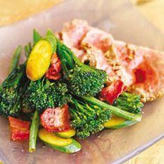 Super-quick broccoli, green veg and steak stir-fry Steak And Broccoli, Broccoli Stir Fry, Easy Weekday Meals, Quick Meals, Banting Recipes, Healthy Recipes, Healthy Food, Steak Stir Fry, Low Sugar Diet