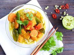 Rezept für wärmendes Kürbis-Kokos-Curry!  So geht Clean Eating!