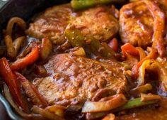 Χοιρινό κρέας. Ένα κρέας με βιταμίνες όπως ο σίδηρος και το κάλιο απαραίτητο στο καθημερινό τραπέζι και που μπορείτε να το μαγειρέψετε με πολλές εκδοχές.