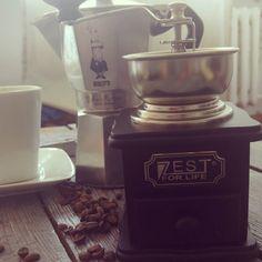 Lazy friady morning... Time to wakeup... Coffee always tastes better on fridays!  #coffee #coffeetime #coffeelover #homemade #zestforlife #bialetti #mokka #kawa #morning #breakfast #coffestagram #coffeporn #kawiarka by mmswiderski