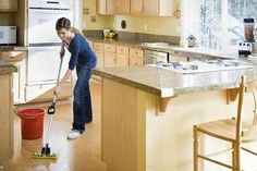 9 Ways to Ruin Your Laminate Floors: Type of Mop